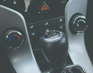 black-manual-gear-stick-91152